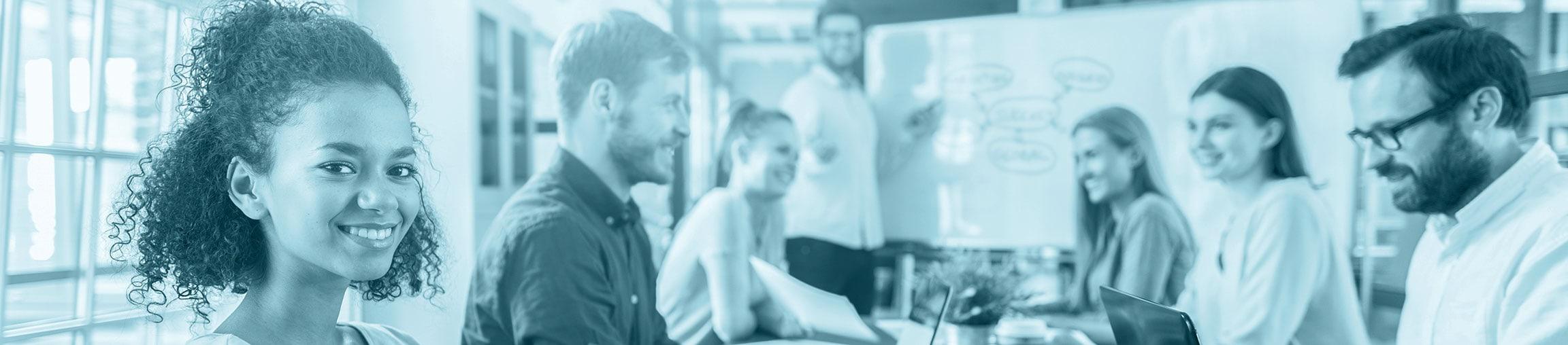 Teilnehmer an einem Software-Training, wie es im Rahmen der Shareflex-Schulungen angeboten wird